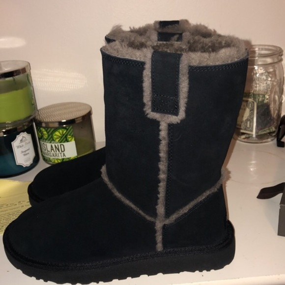 67ad67271 UGG Shoes | Classic Short Spill Seam Boot | Poshmark